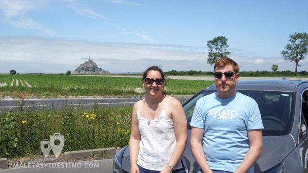 Alfonso y Vanina con Sixt en el Mont Saint Michel - Francia