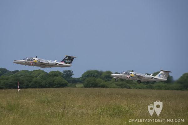 Dos Saab 105Öe despegando