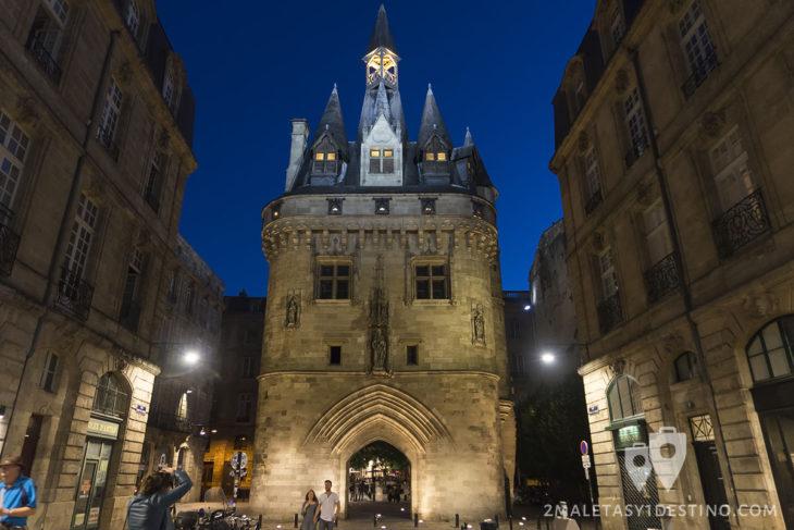 Torre medieval en Burdeos - Francia