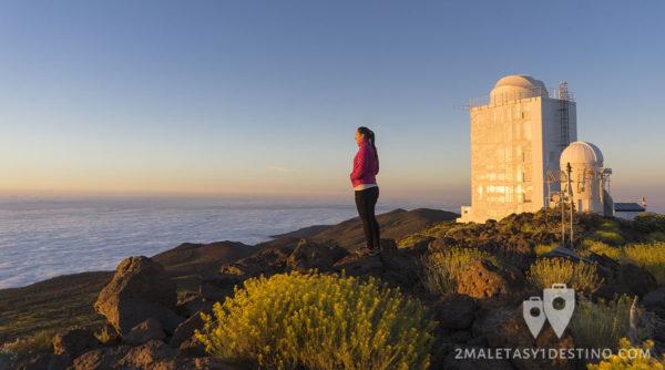 Vanina viendo el atardecer en el observatorio del Teide