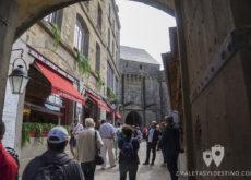 Calles de Mont Saint Michel en Francia