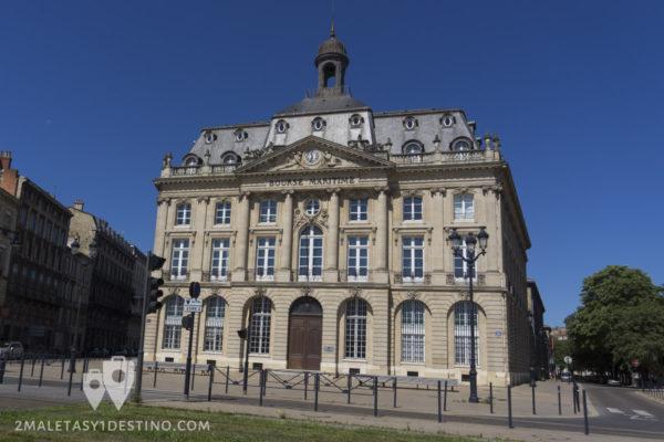 Edificio neoclasico en Burdeos en Francia
