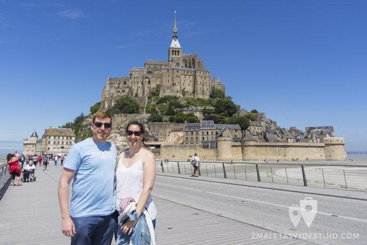 Eguino y Vanina en Mont Saint Michel en Francia