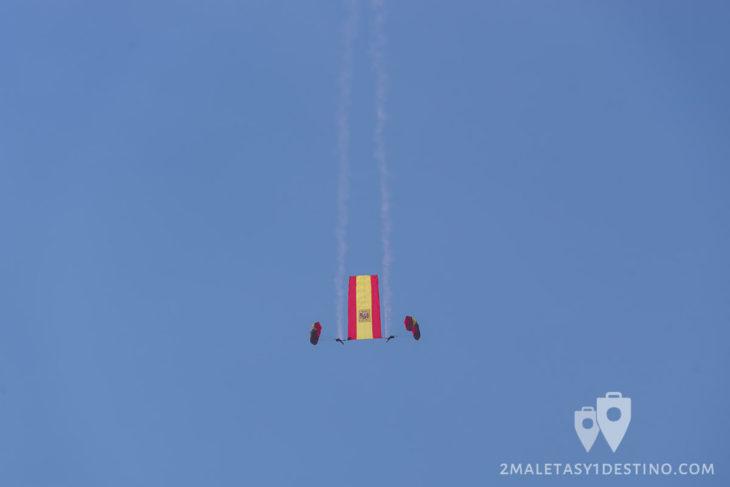 Paracaidistas PAPEA con la bandera España