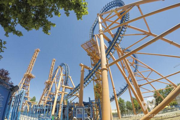 Stunt Fall Parque Warner