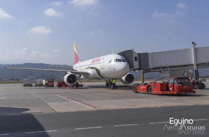 A320 de Iberia en plataforma