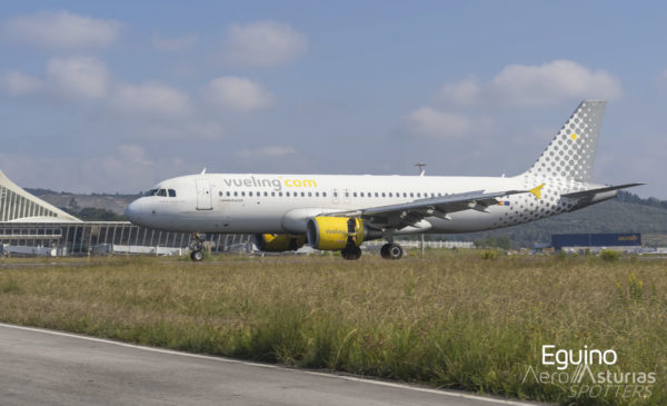 Airbus A320-214 (EC-JTQ) Vueling Airlines