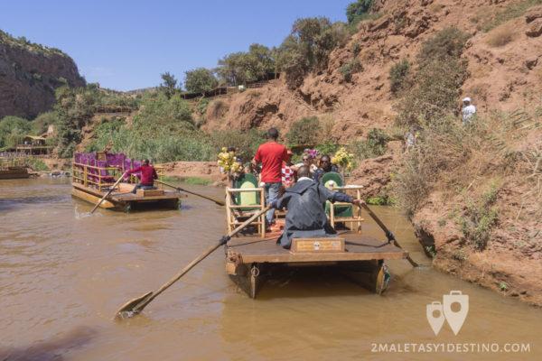 Balsas de paseo en el río Ouzoud
