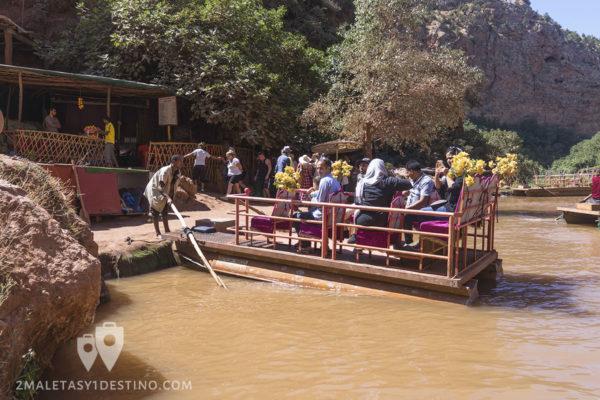 Barca en el río Ouzoud