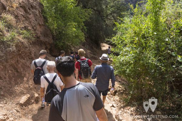 Camino por el río Ouzoud