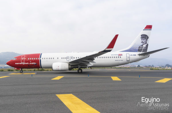 Boeing 737-86J (LN-NIB) Norwegian Air Shuttle