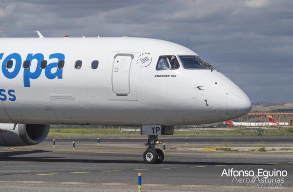 AirEuropa Embraer saludo piloto