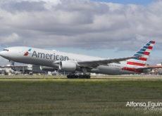 Boeing 777-223(ER) (N798AN) American Airlines