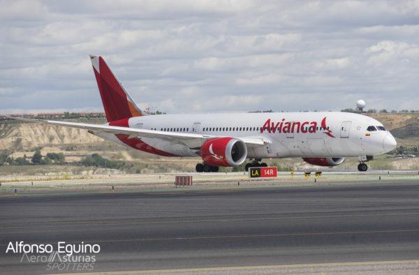 Boeing 787-8 (N780AV) Avianca