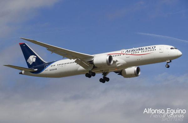 Boeing 787-9 (N438AM) Aeromexico
