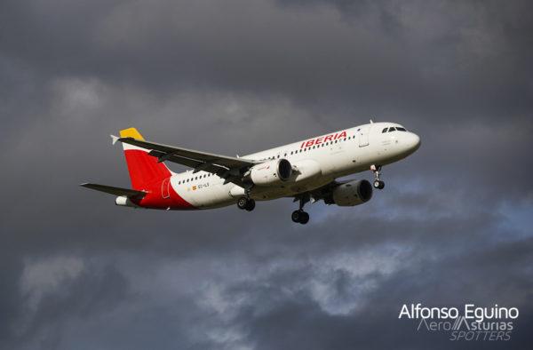 Airbus A320-214 (EC-ILS) Iberia