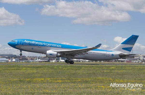 Airbus A330-202 (LV-FVI) Aerolíneas Argentinas