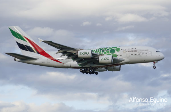 Airbus A380-861 (A6-EEW) Emirates Airlines