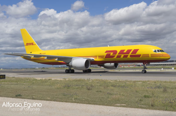 Boeing 757-2Q8(PCF) (D-ALER) DHL Air UK