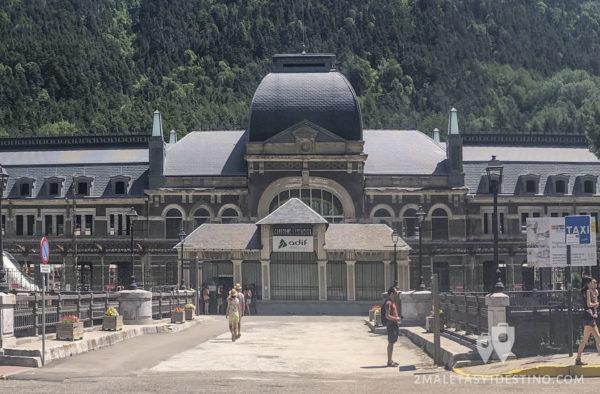 Estación Internacional de Canfranc frontal