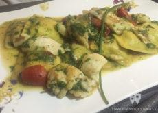 Ravioli farciti con carciofi e ricotta di pecora e salsa ai filettini di triglie
