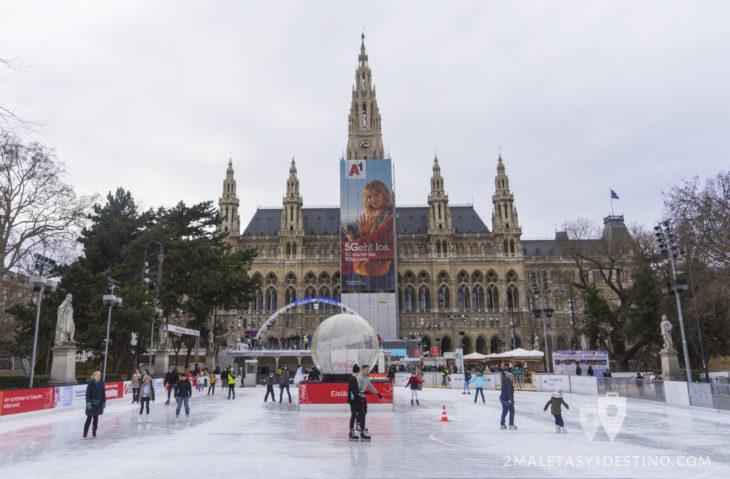 Ayuntamiento Viena y la pista hielo