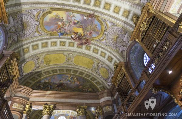 Techo pintado de la Biblioteca Nacional de Austria