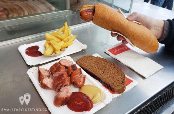 Käserkrainer hot dog y salchicha con queso en Viena