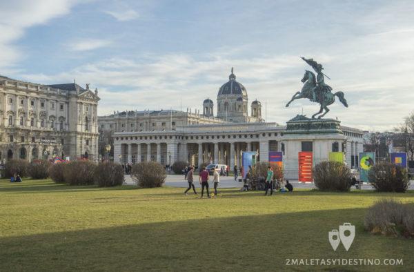 Plaza de los Heroes en Viena