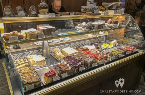 Tartas y dulces en el Cafe Mozart
